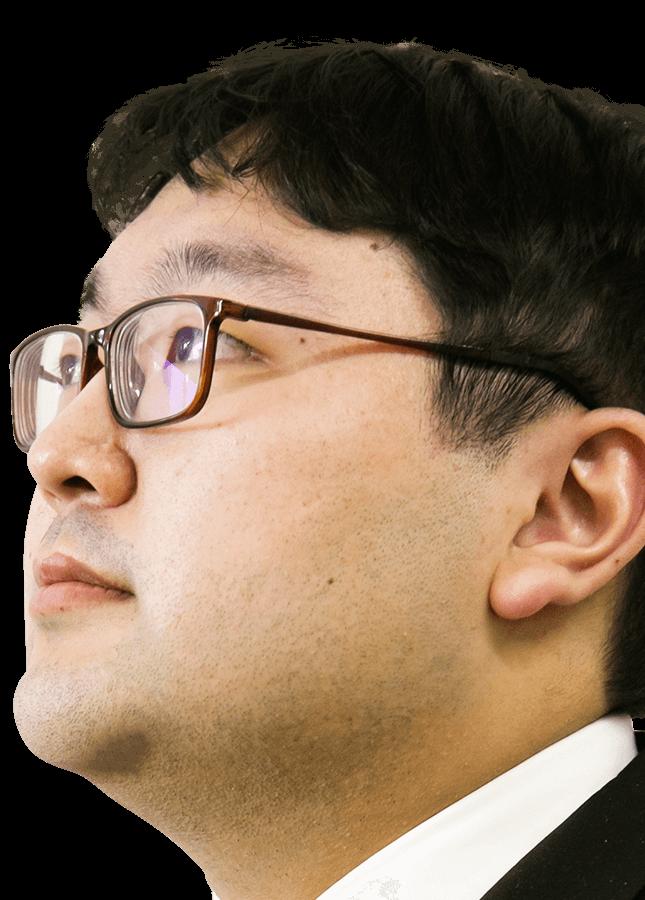 メインビジュアル 社員の顔3